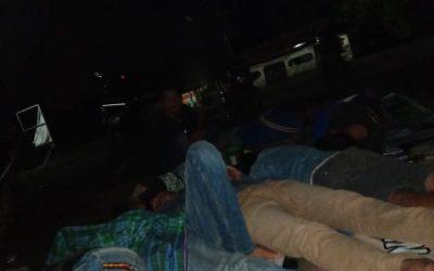 Warga Lahat tidur di jalan tambang batu bara, tuntut ganti rugi banjir lumpur